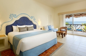 desire pearl resort master suite